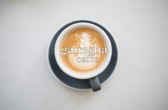 Ganesha Caffe confera aroma diminetilor